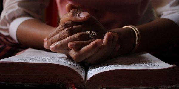 praying-5406270_1280